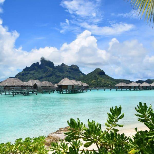 luxury Bora Bora holidays - overwater bungalows and ocean view