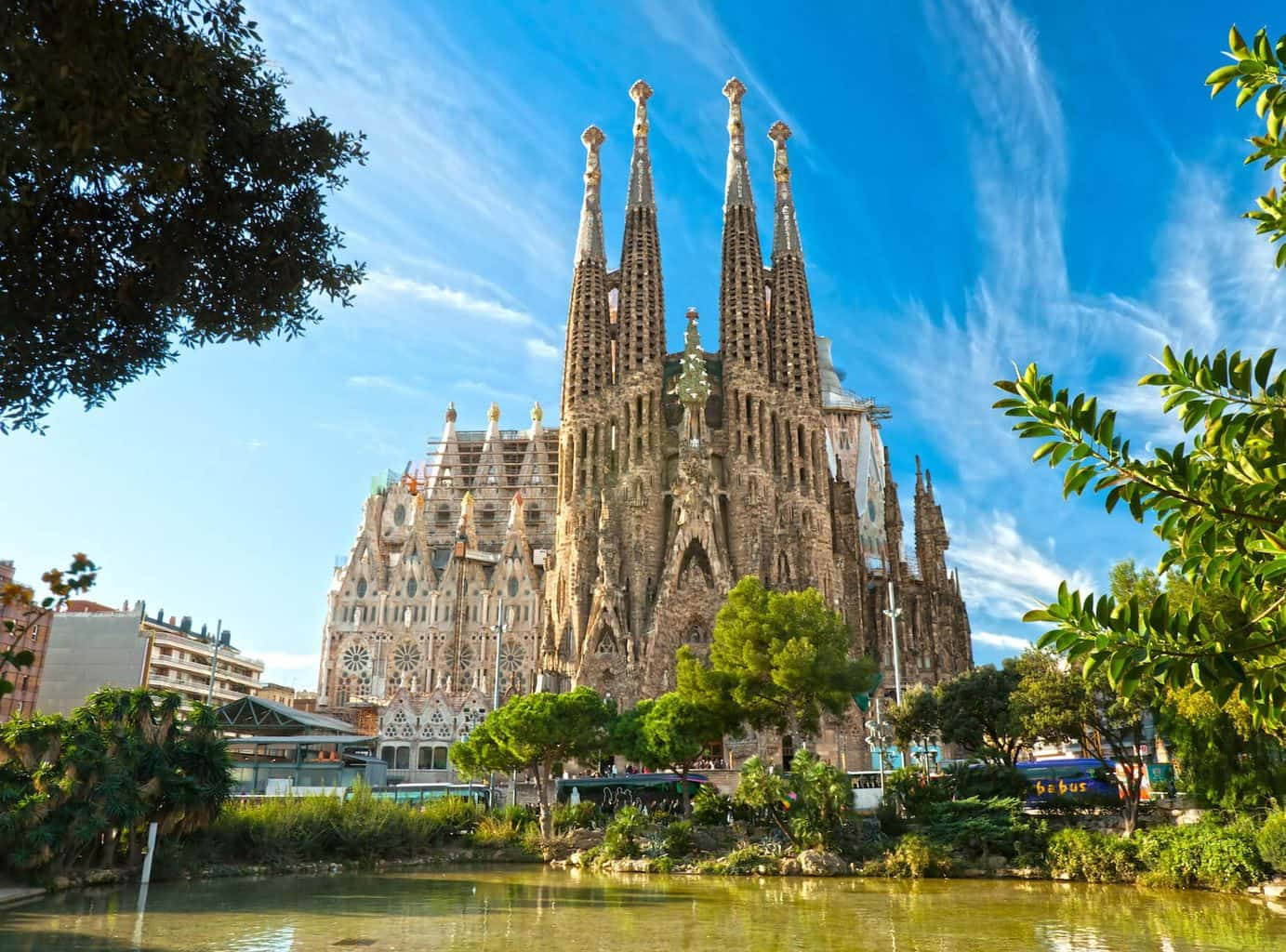 luxury Barcelona holiday Cathedrial and river view