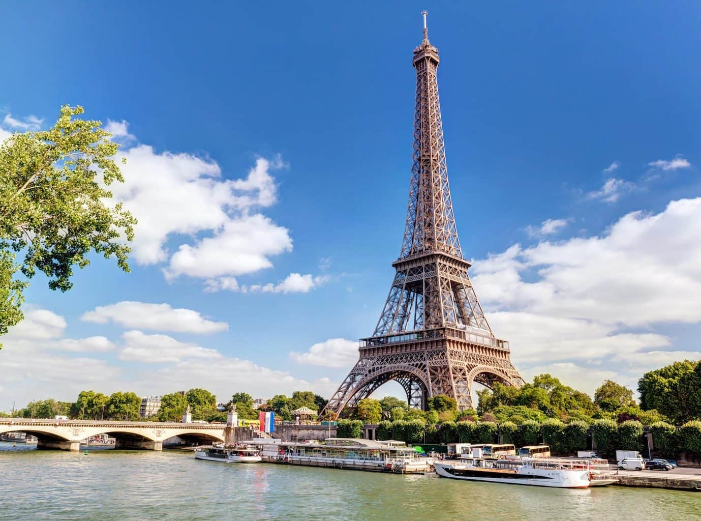 Luxury Paris Holiday Eiffel Tower and River view