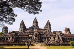 Fly to Phnom Penh Cambodia with Emirates