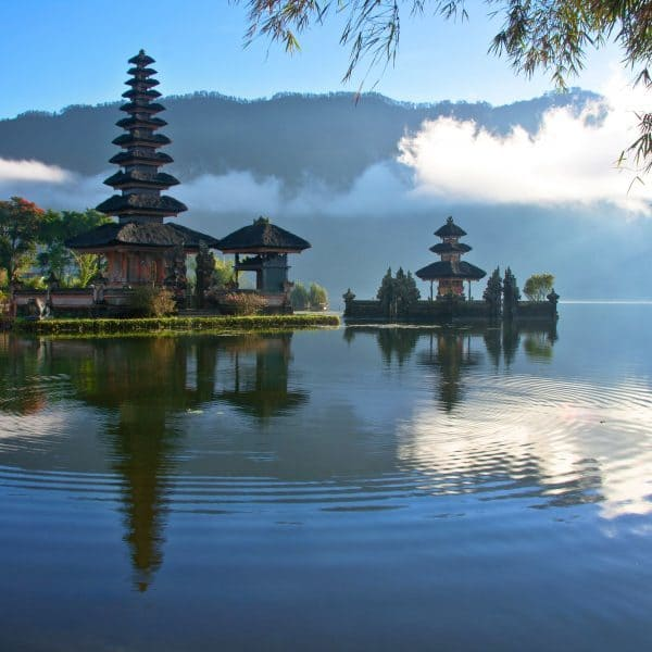 romantic-getaways-in-bali-lakeview