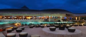 Luxury family friendly hotels the reserve pool and bar view