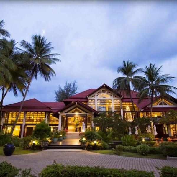 Dusit Thani Laguna Front Building view