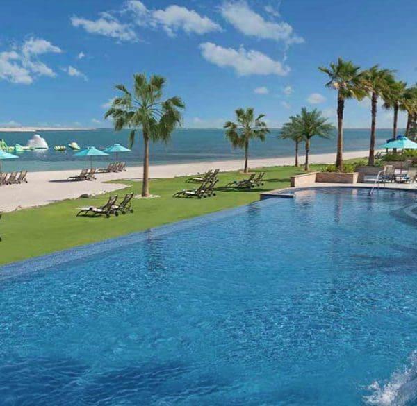 Ja Jebel Dubai pool and ocean view