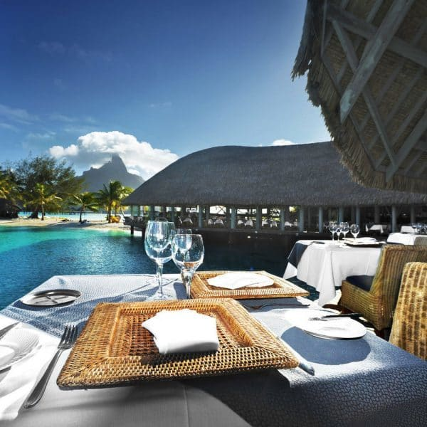 Merieien Bora Bora Offer Poolside view