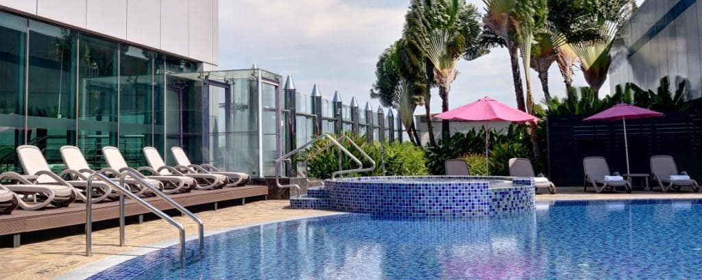 Singapore Changi Airport Rooftop Swimming Pool