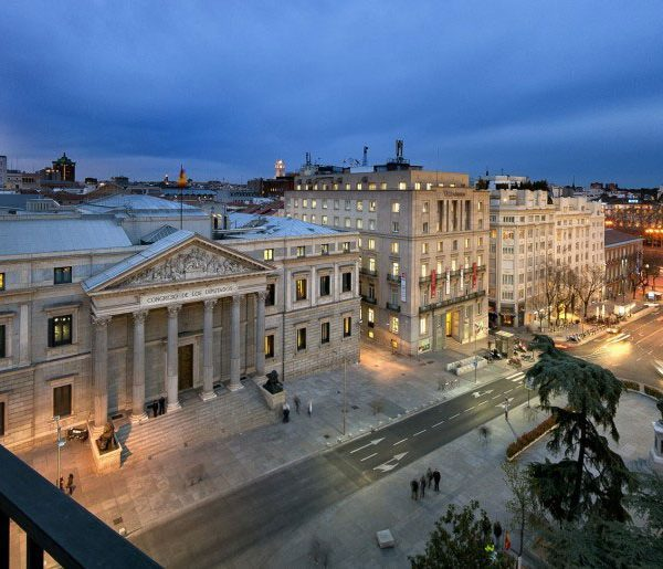 Villa Real Hotel Madrid Offer Outside column building view